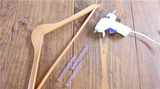 Anti-slip kledinghangers lijmpistool